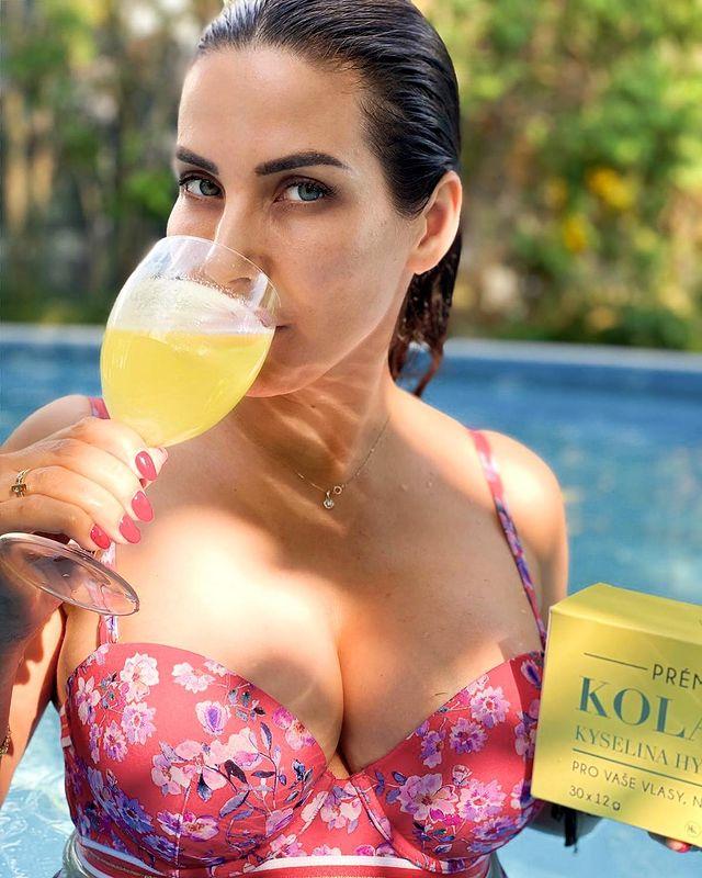 Eva Decastelo pije kk kolagen